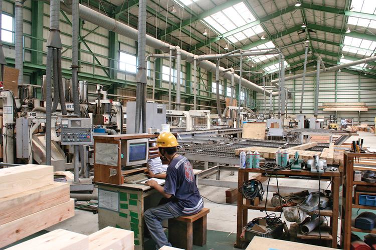 プレカット第一工場(5,000坪)